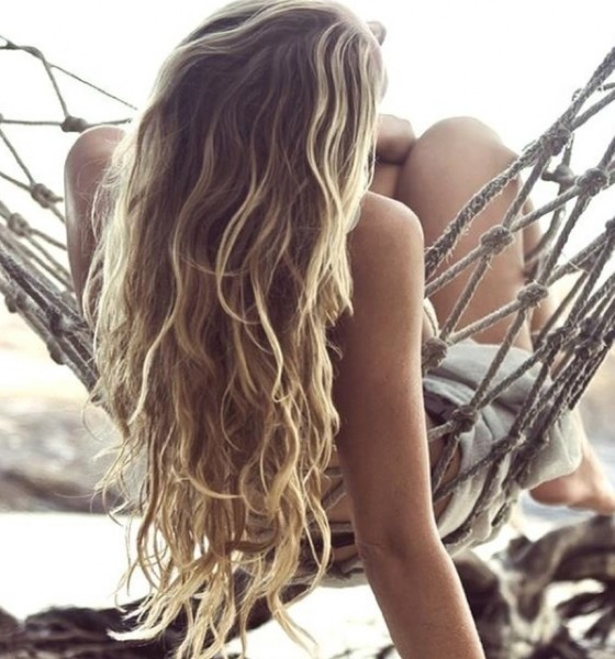 DIY: Beach waves hair spray