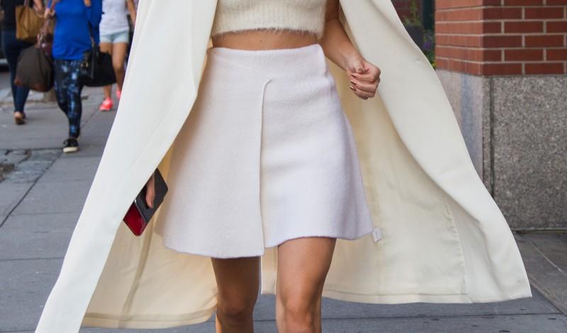 Celebrity Street Style Trend Alert: Sneakers Invasion!
