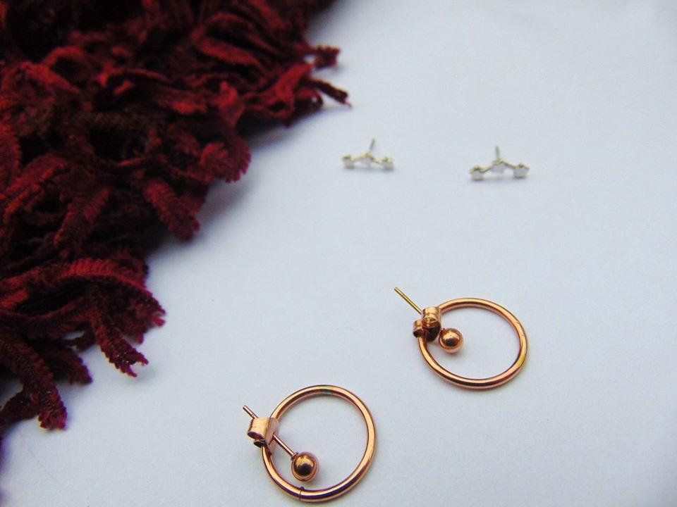 minimal jewelry hoops