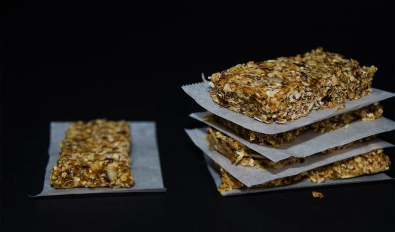 Simple And Healthy Granola Bars Recipe