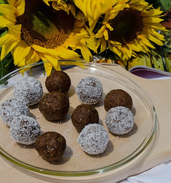 Healthy No-Bake Energy Balls Recipe