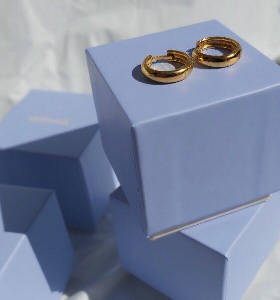 Delicate, Minimalist Gold Jewelry | Stilnest Review