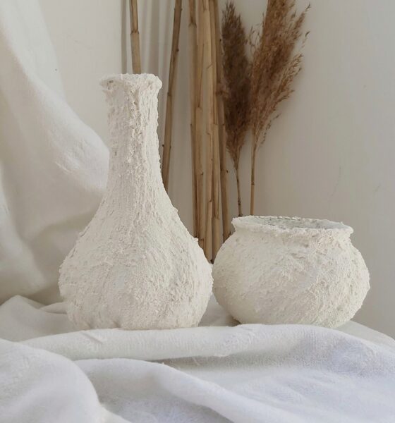 DIY Faux Clay Vases/ With Paint +Baking Soda